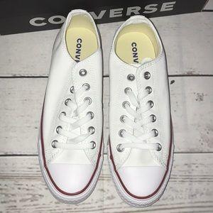👩🏻NEW Women's White Converse 👟
